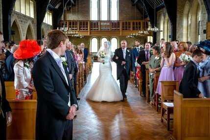 wedding pictures bride groom church
