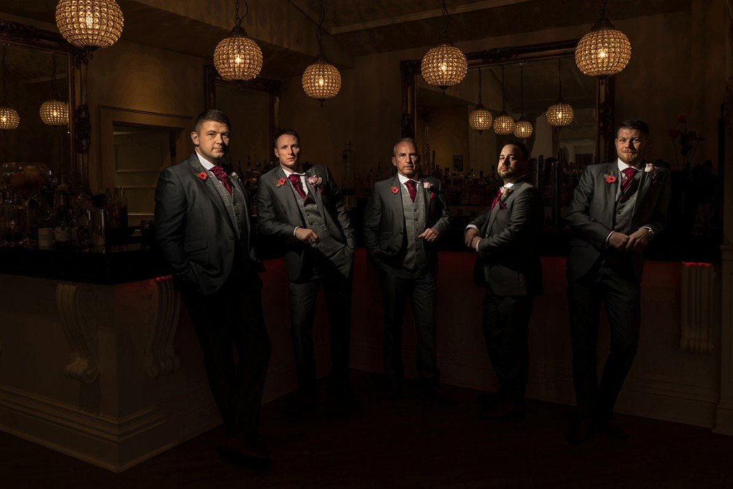 wedding pictures - manor by the lake groomsmen